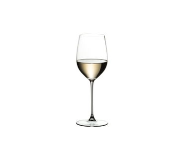 RIEDEL Veritas Viognier/Chardonnay filled with a drink on a white background