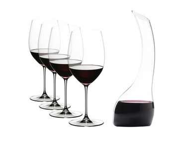 RIEDEL Veritas Cabernet + Decanter Cabernet filled with a drink on a white background