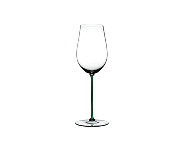 RIEDEL Fatto A Mano Riesling/Zinfandel Green R.Q. on a white background