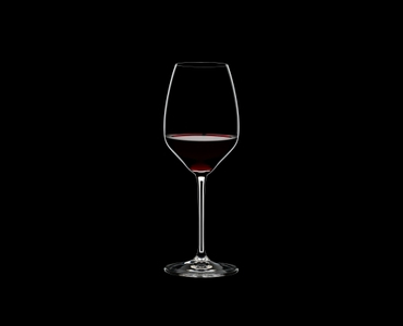 RIEDEL Extreme Restaurant Riesling/Sauvignon Blanc filled with a drink on a black background