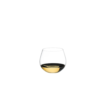 RIEDEL Restaurant O Oaked Chardonnay filled with a drink on a white background