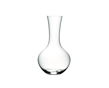Red wine filled RIEDEL Syrah decanter on white background. A red line indicates the level of 750ml wine.