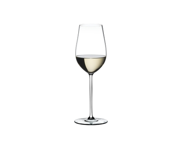 RIEDEL Fatto A Mano Riesling/Zinfandel White filled with a drink on a white background