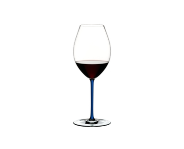 RIEDEL Fatto A Mano Syrah Dark Blue filled with a drink on a white background