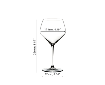 A gin cocktail served in a RIEDEL Gin glass on white background