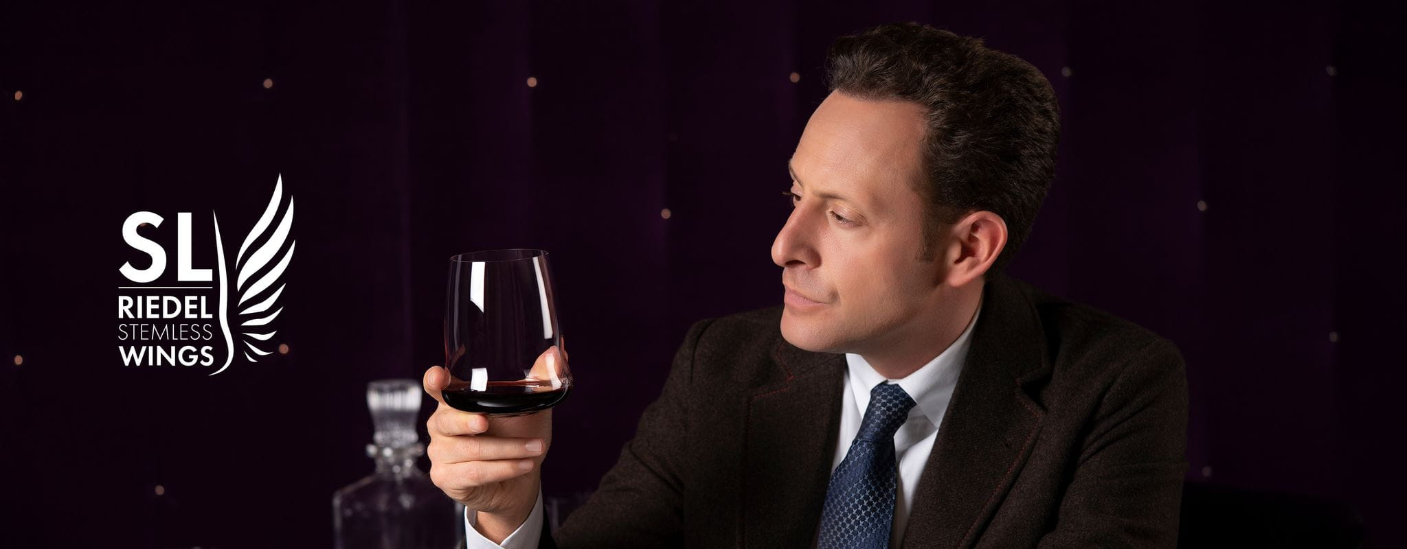 Maximilan Riedel holds a SL RIEDEL Stemless Wings Cabernet