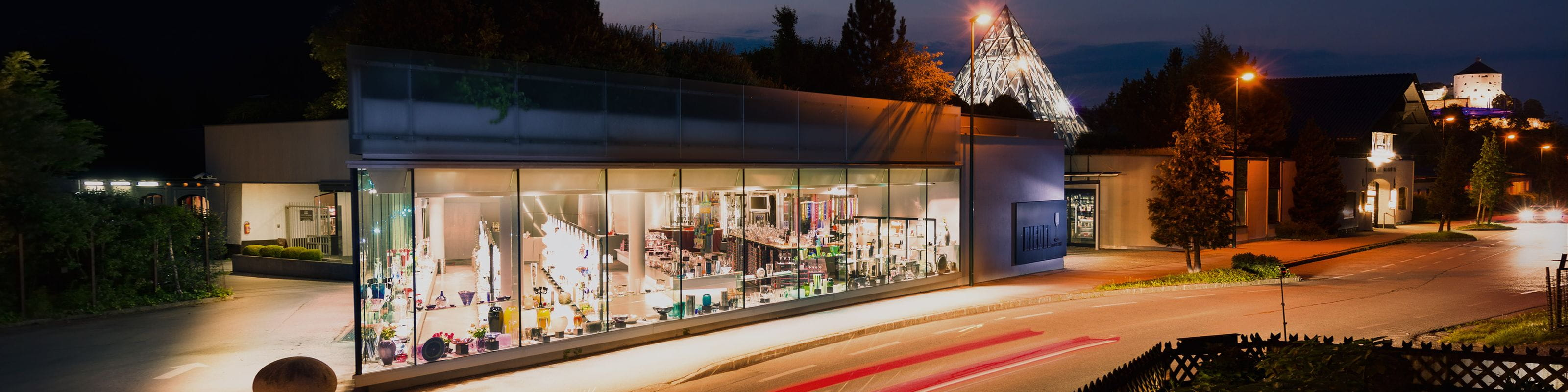 RIEDEL Flagship Store Kufstein at night