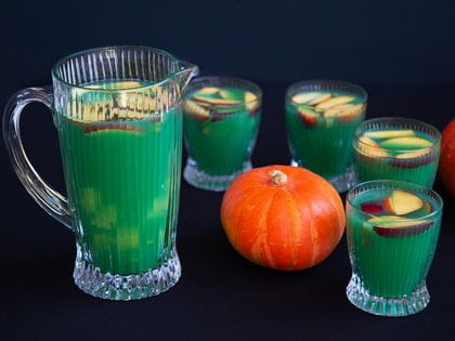 Halloween cocktails - Green punch