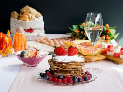 Lush Brunch with Champagne