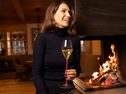 Champagne moment at the fireside with RIEDEL High Permormance Champagne 4994/28 R
