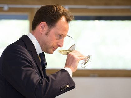 Wine glass tasting with a RIEDEL Veritas Oaked Chardonnay glass
