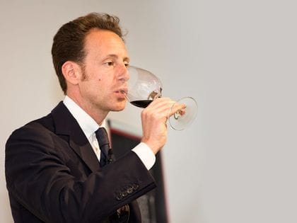 Maximilian Riedel during a wine glass tasting with a RIEDEL Veritas Cabernet / Merlot glass