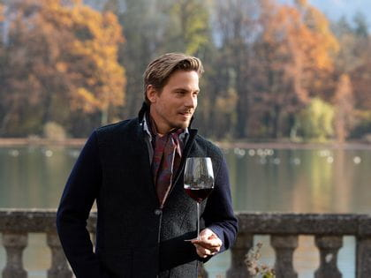 Man with a Sommeliers Bordeaux Grand Cru glass
