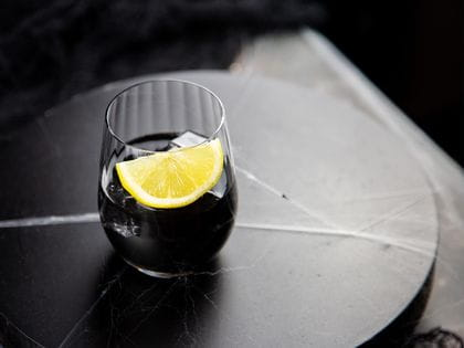 Halloween cocktails - Black Lemonade