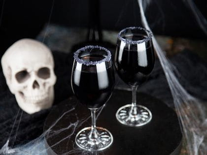 Halloween cocktails - Purple Witch